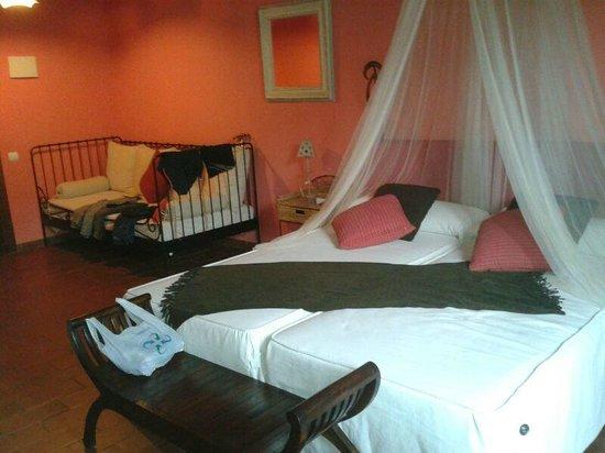 L'Alcova Rural Hotel: Habitación Ratera