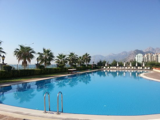 Very Large And Nice Swimming Pool Picture Of Crowne Plaza Hotel Antalya Antalya Tripadvisor