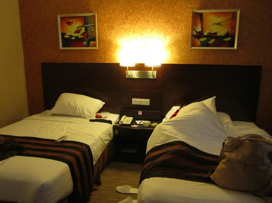 Riviera Hotel : Beds