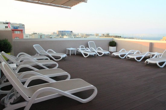 Argento Hotel: Sunbeds on the roof