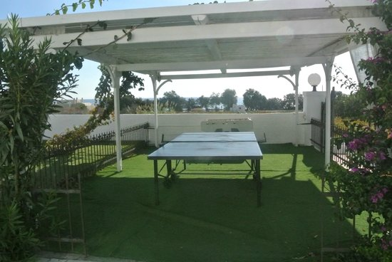 Imperial Med Hotel, Resort & Spa : Table de ping pong
