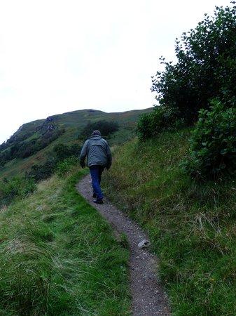 Brochs at Glenelg - Dun Telve & Dun Troddan: Path to Dun Troddan