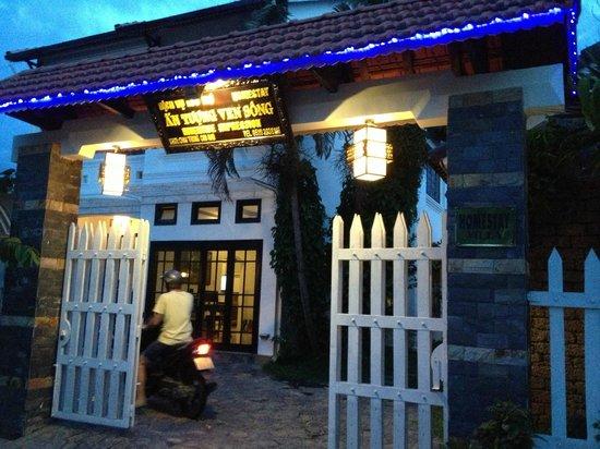 Riverside Impression Homestay: Entrance