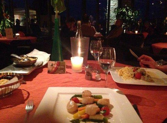 Hotel Grüner Wald: Restaurant - Ambiente
