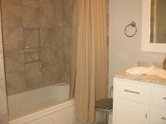 Vendue Suites: Bathroom