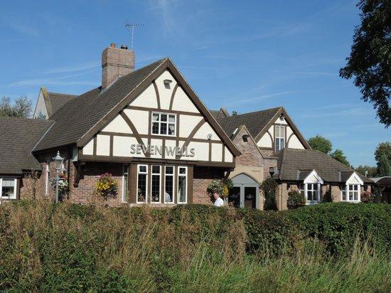 Seven Wells: Front of pub