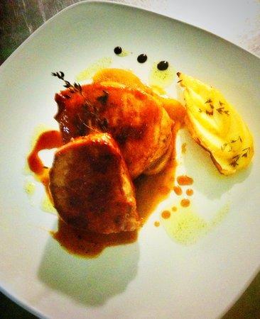Cockney's Restaurant: Pork fillet with apple jus mmm