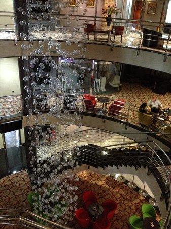 Hotel M Nikic : De prachtige ruime hal