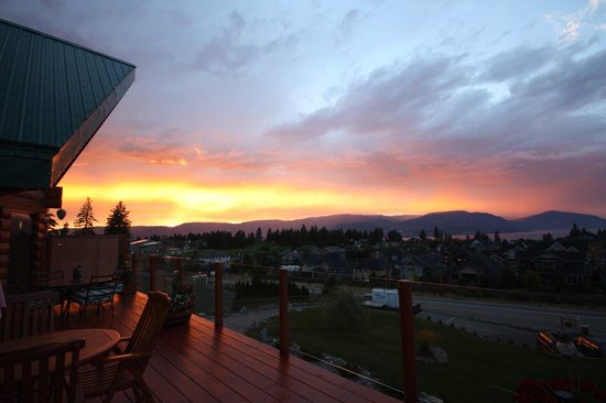 A Okanagan Lakeview B&B: Sunset in August