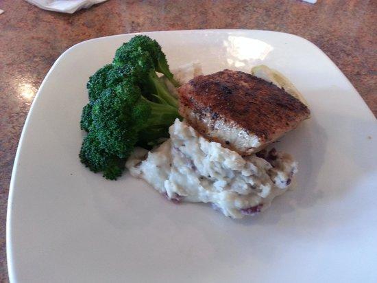 Mahi Mah's Seafood Restaurant : Blackened Swordfish