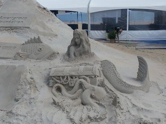 Mahi Mah's Seafood Restaurant : sand sculpture2