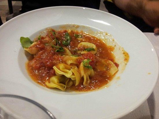 Restaurante Rosa Dels Vents: Tortellini con tomate