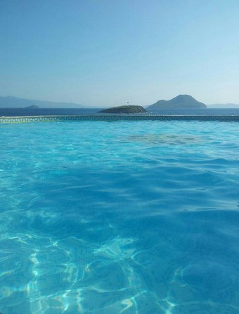 Kadikale Resort : The shades of blue! :-)