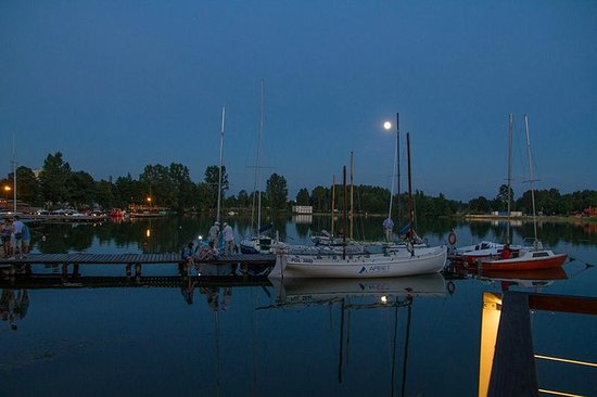 Yacht Club Tiffi: Blick vom Steg/Terrasse