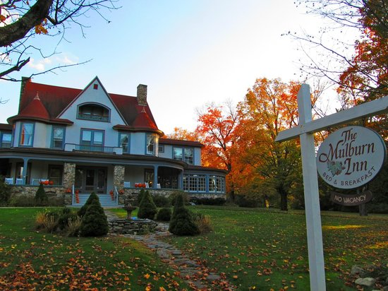 The Mulburn Inn at Bethlehem: Great fall colors