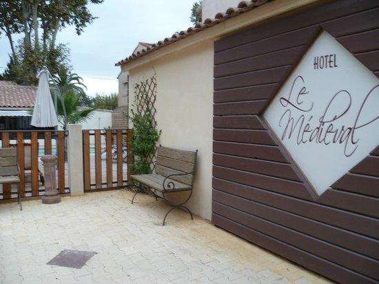 Hotel Le Medieval : entrée