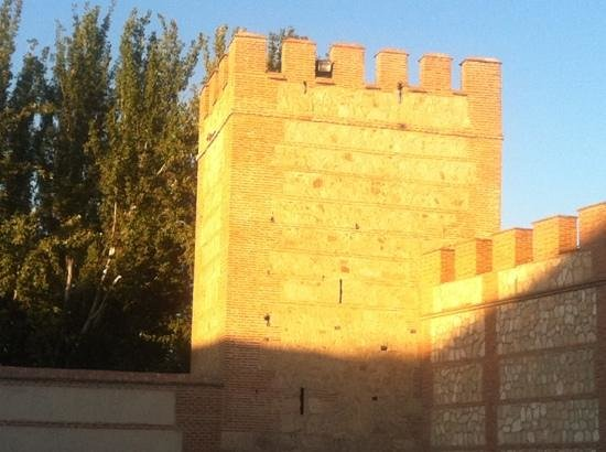 Murallas de la Ciudad: Torre de la muralla