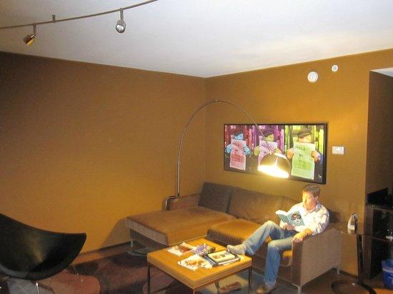 Moonrise Hotel: The Redd Foxx suite, 4th floor