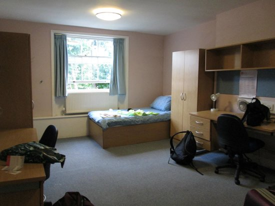 LSE Passfield Hall: Room for two
