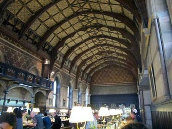 Keble College: The dining hall.