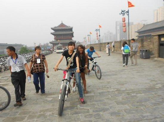 China Culture Tour : Cycling with tour guide Sarah;Xian City Wall
