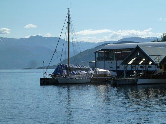 Thon Hotel Sandven : Lakefront