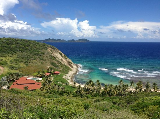 Peter Island Resort and Spa : Driving along the coast