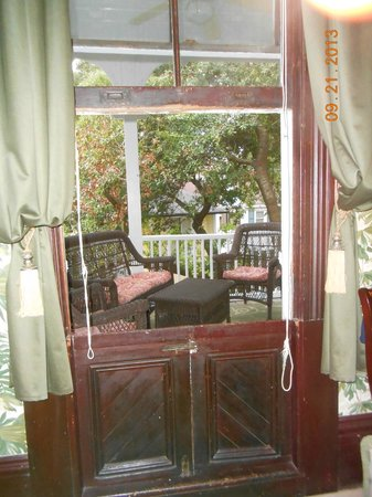 Azalea Inn & Villas: Our private balcony was a great place to chill!