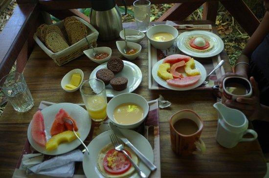 Pachamama Jungle River Lodge : custom breakfast for us (vegetarian)