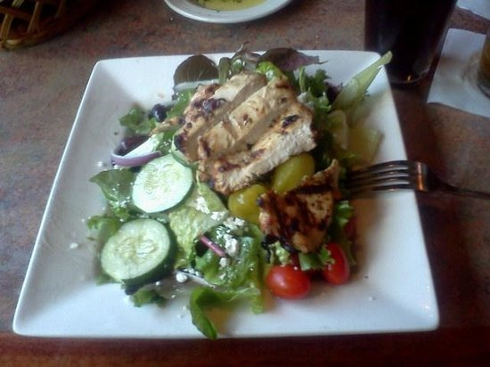 Pomodoro's: Greek salad with grilled chicken