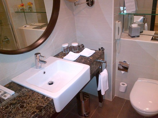 Aquamarine Hotel : Bathroom