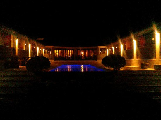 Kapensis Guesthouse : 3Flavours by night