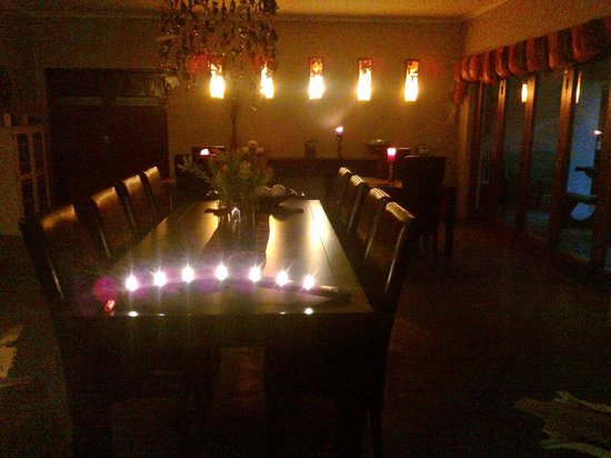 Kapensis Guesthouse : dining room area