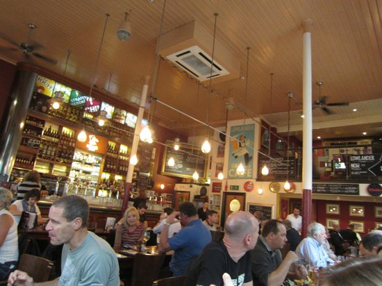 Lowlander : Bustling interior at about 2 p.m.
