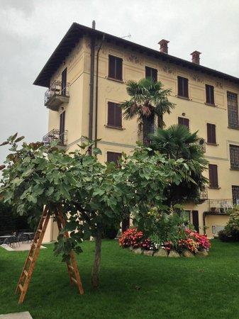 Hotel Brisino: l'hotel da fuori