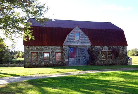 Mainely Meat Barbeque : This is NOT Mainely Meats, but a wonderful barn/home on Crooked Rd, short-cut to Mainely Meat
