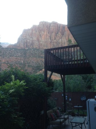 Harvest House Bed and Breakfast : The Watchman balcony