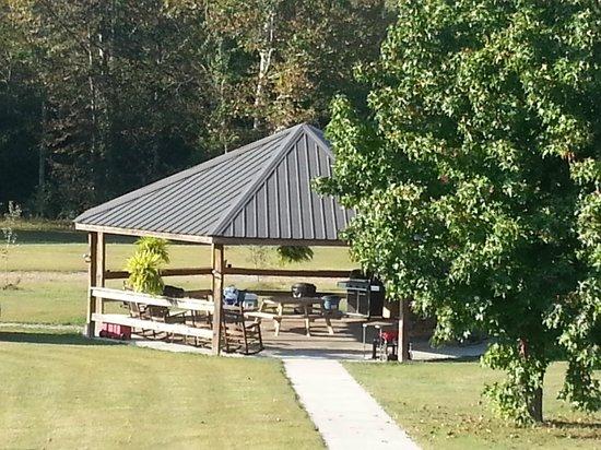 Cherohala Mountain Trails Campground: Gazebo