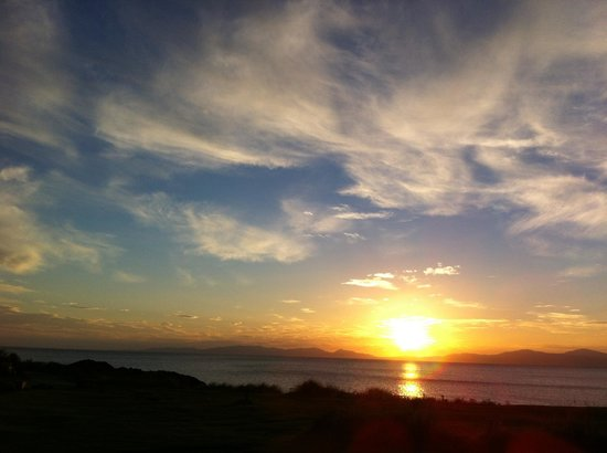 Port Ban Holiday Park: sunset over Jura & Islay