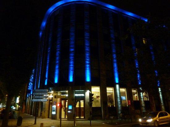 Novotel SPA Rennes Centre Gare : Hotel à noite