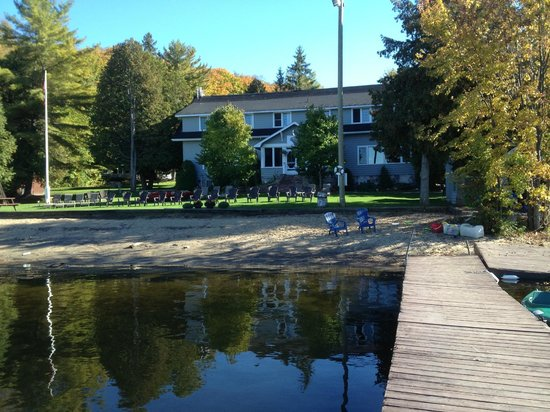 Bonnie View Inn: View from the dock