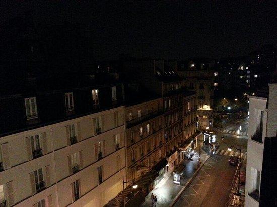Hotel Carladez Cambronne: vista noturna