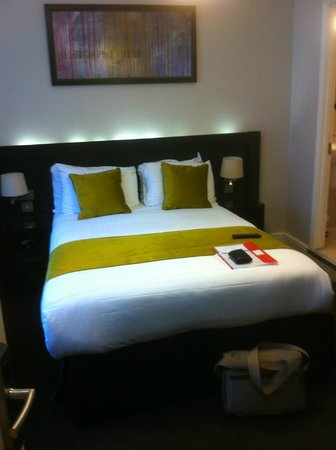 Bloomsbury Palace Hotel: Firm beds !