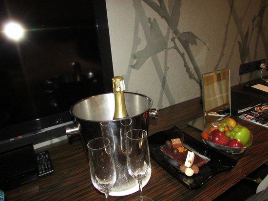 African Pride 15 On Orange Hotel : regalino sposi