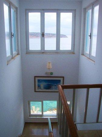 Pergola Hotel : Top of the stairs at Pergola!