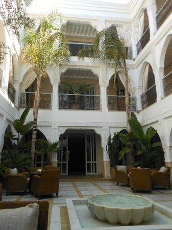 La Villa Blanche : courtyard