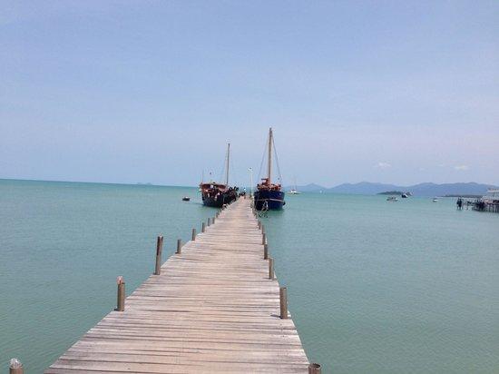 Chantara, Junk Boat : Big Buddah Pier with Chantara and Red Baron