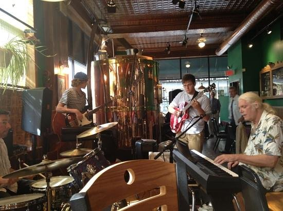 Bullfrog Brewery: Sunday jazz