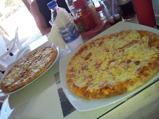 Filia Hotel Apartments : Yummy pizza