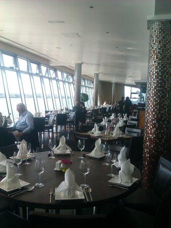 Matou: restaurant interior